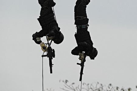 Dropping in for anti-terror training