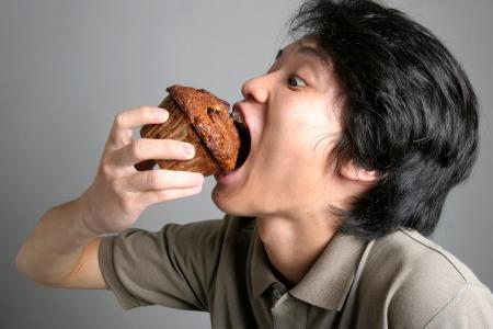 Overeating versus uncontrollable overeating