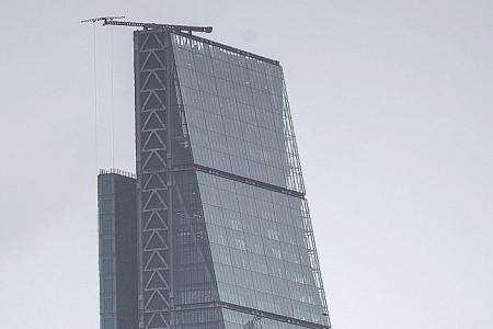 HK firm snaps up London skyscraper