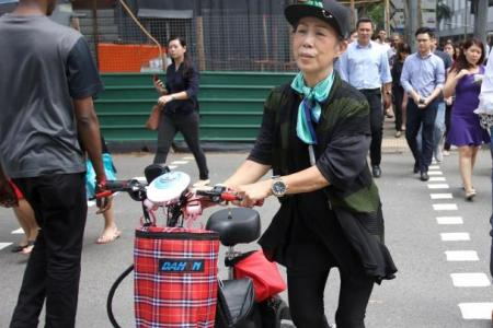 Meals on heels: Madam Teo, 70, delivers food on foot