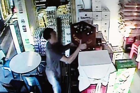 Thief steals $800 worth of beer in Geylang, caught on CCTV