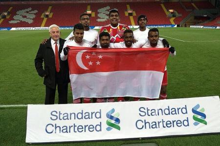 S'pore team win Standard Chartered Trophy