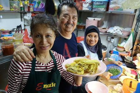 Makansutra: Nasi ambeng done just right