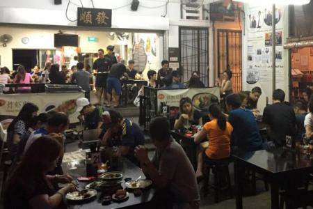 Bak kut teh outlet suspended for 2 weeks for unclean practices