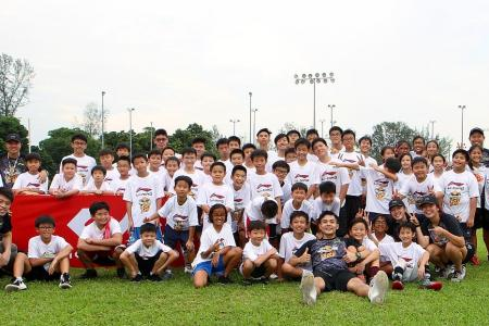 Wong shows youths the way