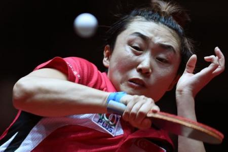Feng loses in singles quarters, but guaranteed of a medal in doubles