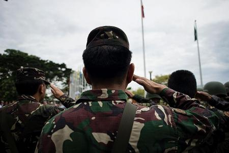 Flag ceremony performed in Marawi as fighting continues