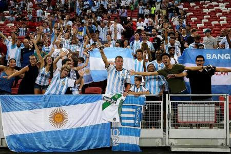 Fans spellbound by six-star Argentina