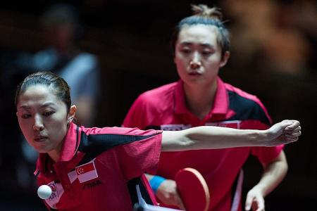 Doubles pair Feng and Yu dumped out in first round