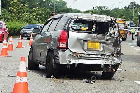 Mother dies in crash on SLE