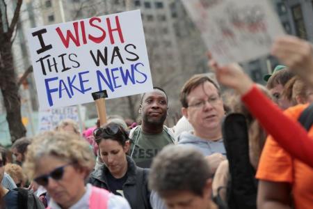 Most people distrust mainstream media, social media - study