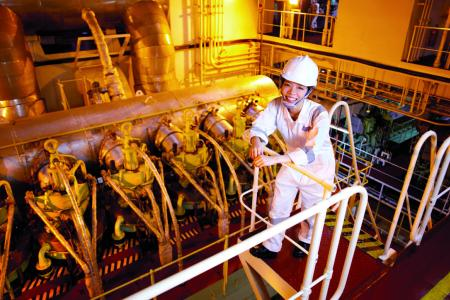 Female seafarer works non-stop for six months