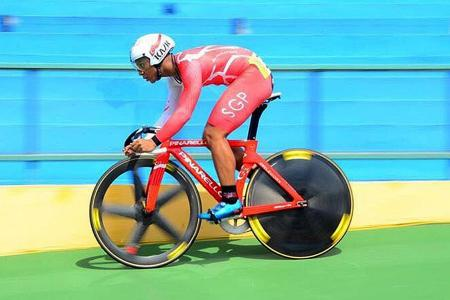 Singapore's top sprint cyclist eyes gold on Games debut