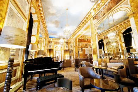 Historic Paris luxury hotel reopens after 4-year makeover