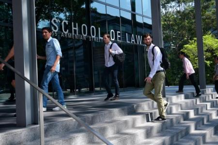 Fewer students list law as top uni choice