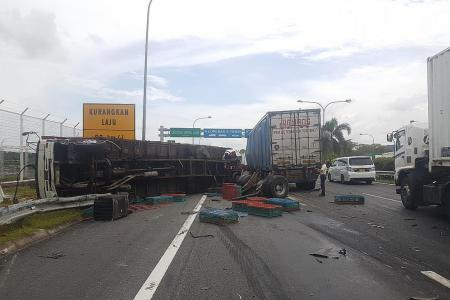 Trucks collide at Second Link
