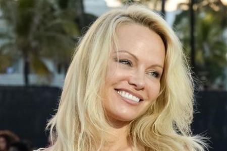 Pamela Anderson drops out of vegan restaurant project