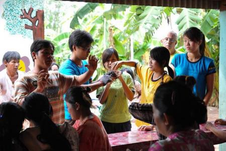 More opportunities for youth to volunteer overseas