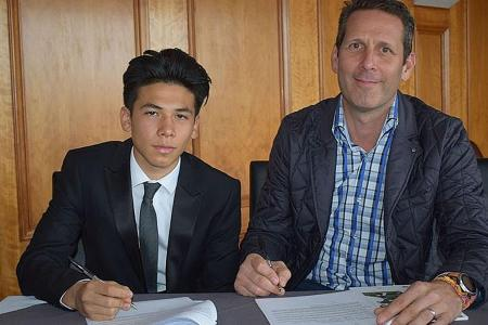 Fulham sign Singapore teen on two-year scholarship