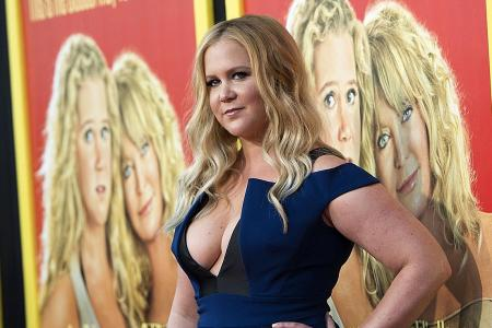 Amy Schumer gets sassy in Snatched