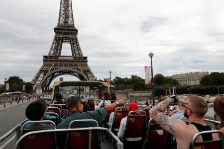 France retains No. 1 tourist destination title