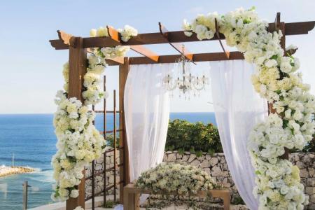 Wedding deal at Banyan Tree Ungasan in Bali