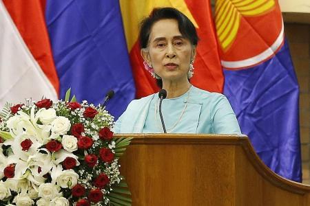Suu Kyi faces free press dilemma