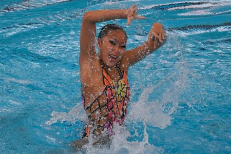 Shock, then delight, for synchro swimmer Soh