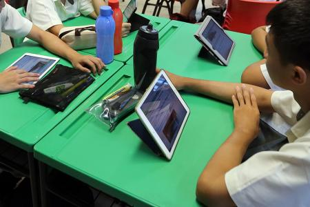 Concerns over e-learning and screen time
