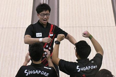 Men's bowlers end 22-year wait for team gold