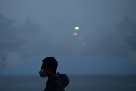 China vows to cut air pollution by at least 15%