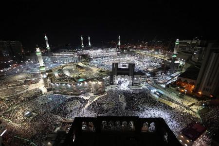 2m pilgrims descend on Mecca