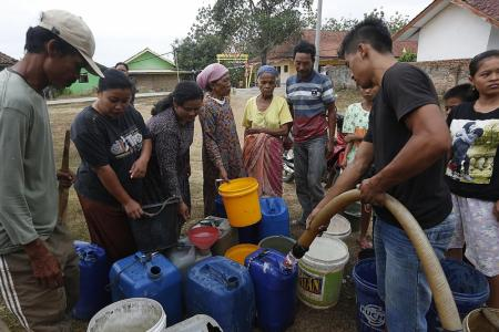 Drought affects millions in Indonesia