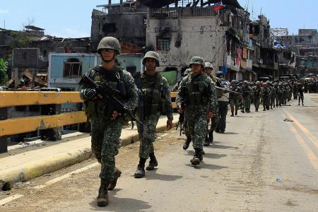 3 dead, 52 hurt as Philippine army pushes on in Marawi