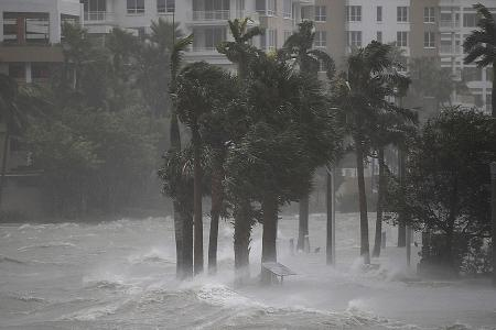 Floridians go home as Irma eases