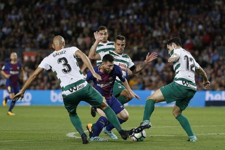 Valverde 'runs out of words' for Messi