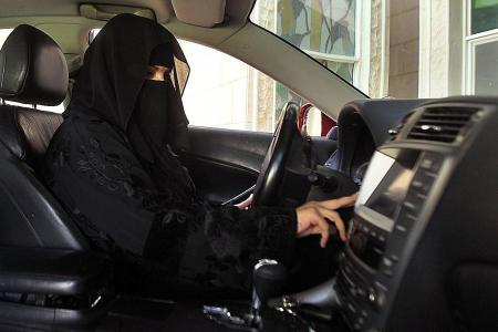 Saudi Arabia lifts ban on women drivers