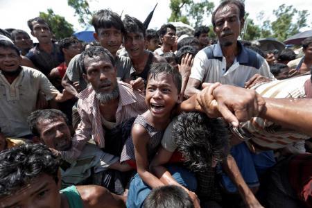 Suu Kyi should meet Rohingya Muslims, say UN human rights experts