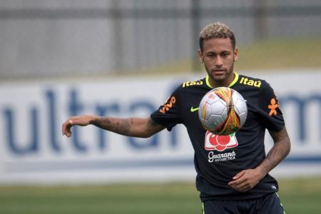 Edmilson: Neymar not a Brazil legend until he wins World Cup