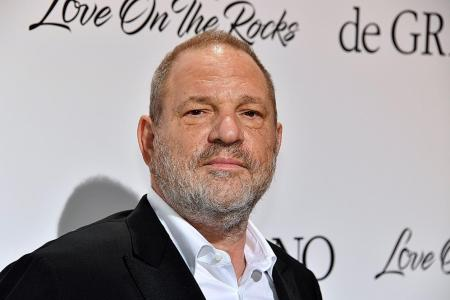 Hollywood mogul apologises over sex harassment cases