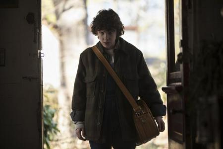 Second season of Stranger Things 'darker' and 'more gripping', says Millie Bobby Brown