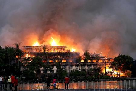 Fire guts iconic Yangon hotel, one dead