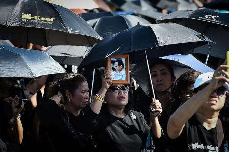 Thai crowds witness final rehearsal of royal cremation processions