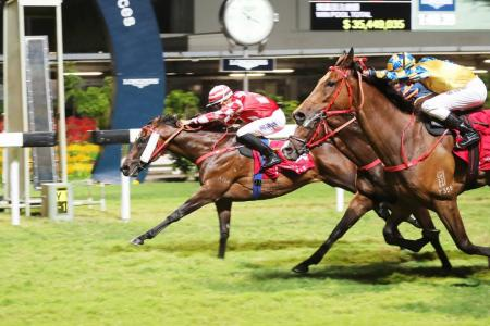 Lor extends lead with Happy Valley double