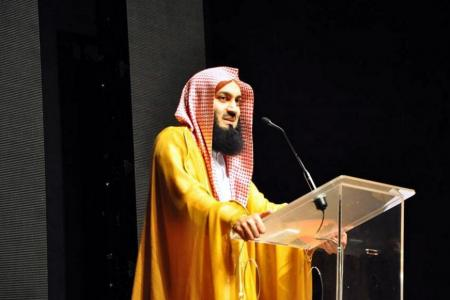 2 Muslim preachers banned from Singapore