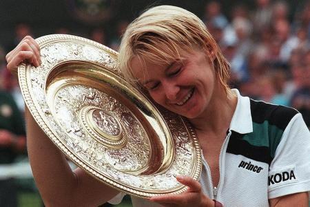 Tributes pour in for former Wimbledon winner Novotna