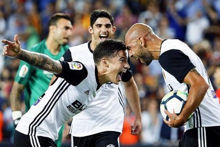 David Villa: Valencia have edge over Barca