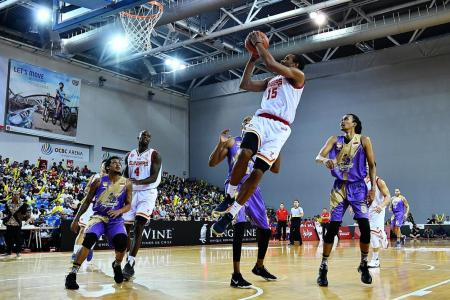 Alexander spurs Slingers to sizzling win