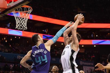 San Antonio Spurs down Charlotte Hornets 106-86