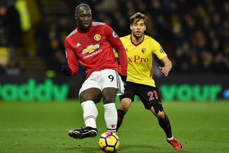 Man United manager Mourinho backs misfiring Lukaku